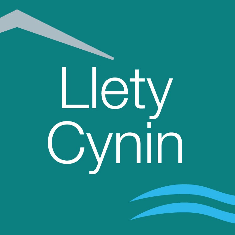 Llety Cynin Bed and Breakfast with Hotel Style